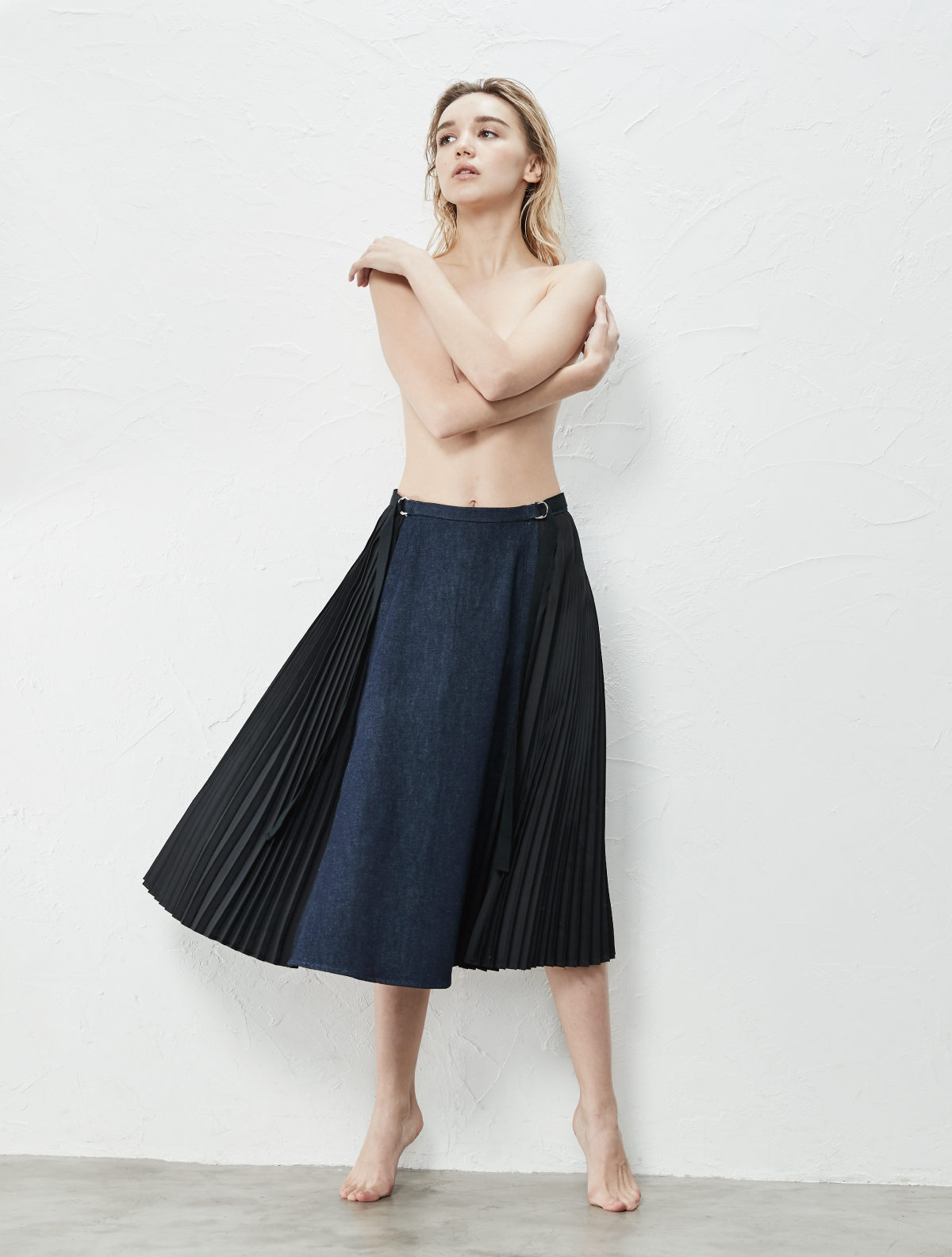 SIDE PLEATS MIDDLE FLARE SKIRT